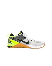 Baskets basses beiges Nike