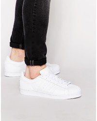 Baskets basses en cuir blanches adidas