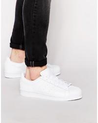 Baskets basses en cuir blanches adidas