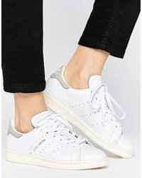 separation shoes da52e df21b ... Baskets basses en cuir blanches adidas