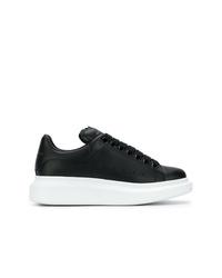 Baskets basses en cuir noires et blanches Alexander McQueen