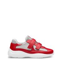 Baskets basses en cuir rouges Prada