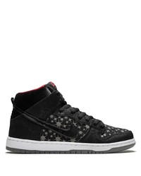 Baskets basses en toile noires et blanches Nike