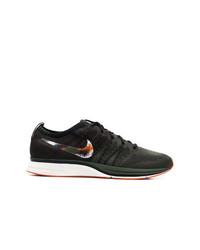 Baskets basses marron foncé Nike