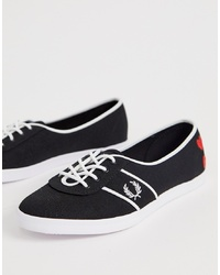 Baskets basses noires et blanches Fred Perry