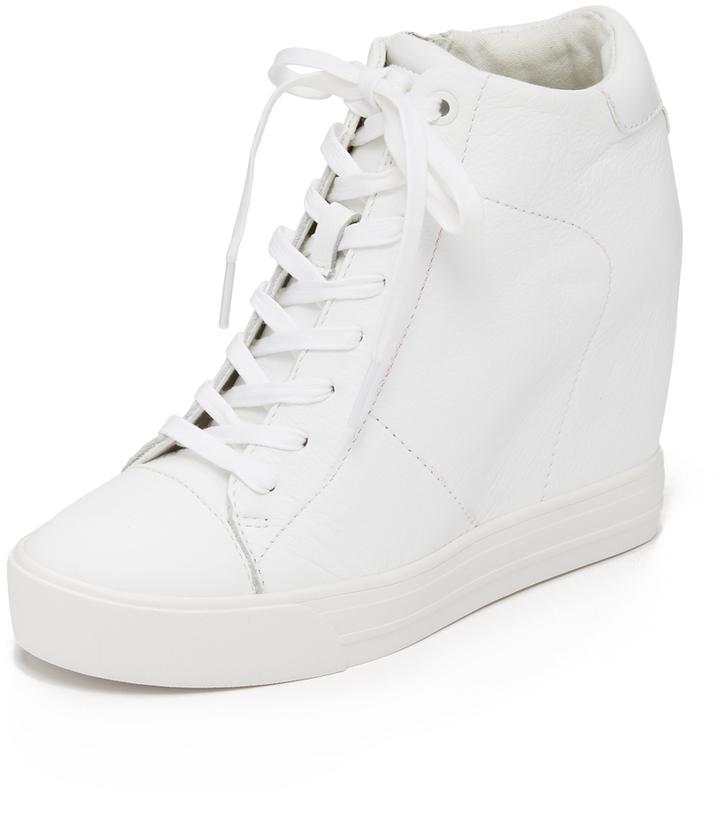 Baskets compensées en cuir blanches DKNY