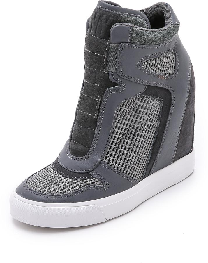 Baskets compensées en cuir grises DKNY