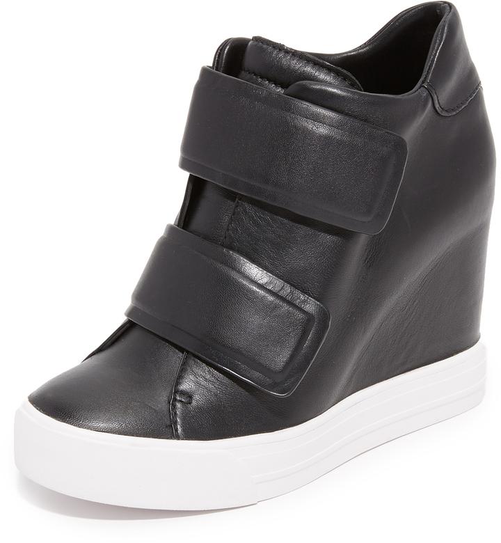 Baskets compensées en cuir noires DKNY