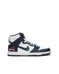 Baskets montantes en cuir noires et blanches Nike
