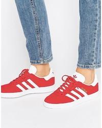 Baskets montantes en daim rouges adidas