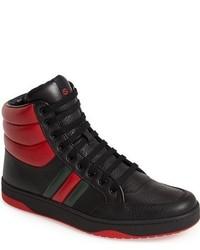 Baskets montantes rouge et noir