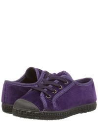 Baskets violettes
