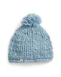 Bonnet duveteux en tricot bleu clair