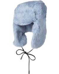 Bonnet en fourrure bleu clair