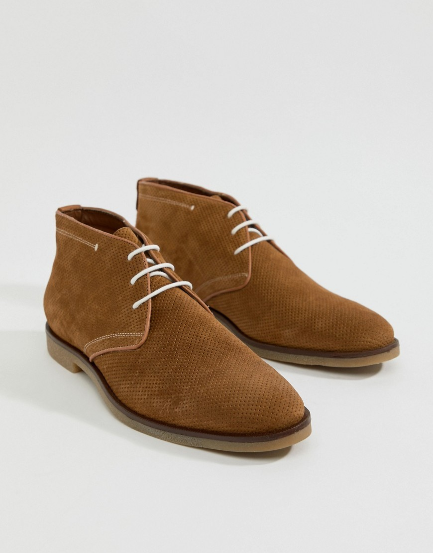 Bottines chukka en daim marron Dune