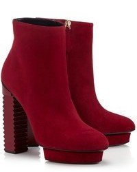 Bottines en daim rouges
