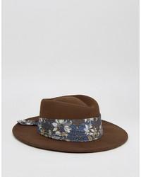 Chapeau à fleurs marron Asos