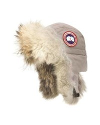 Chapeau de fourrure beige