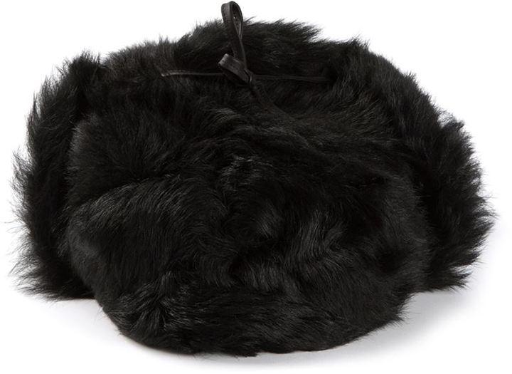 Chapeau de fourrure noir