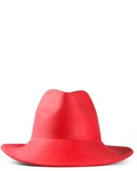 Chapeau en laine rouge