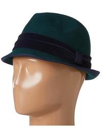 Chapeau en laine vert foncé