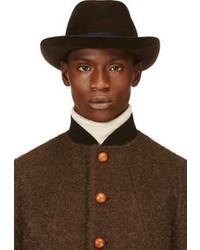 Chapeau marron foncé