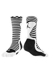 Chaussettes à rayures horizontales noires et blanches