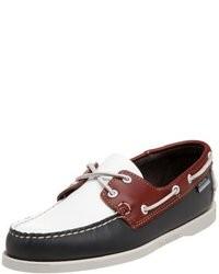 Chaussures bateau blanc et rouge et bleu marine