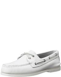 Chaussures bateau en cuir blanches