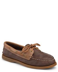 Chaussures bateau en cuir marron foncé