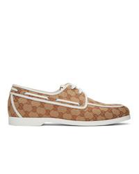Chaussures bateau en toile marron clair Gucci