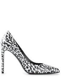 Chaussures blanches et noires