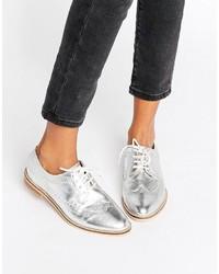 Chaussures brogues en cuir argentées Asos