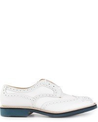 Chaussures brogues en cuir blanches