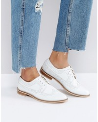 Chaussures brogues en cuir blanches Asos