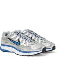 Chaussures de sport argentées Nike
