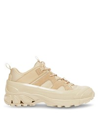 Chaussures de sport beiges Burberry