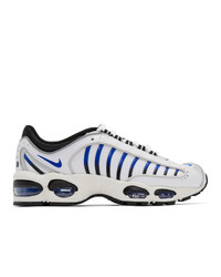 Chaussures de sport blanc et bleu Nike