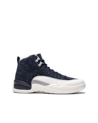 Chaussures de sport bleu marine et blanc Jordan