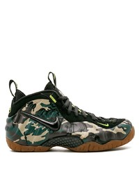 Chaussures de sport camouflage olive Nike
