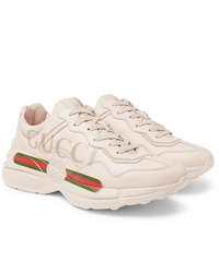 Chaussures de sport en cuir beiges