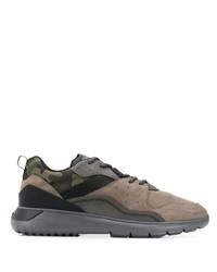 Chaussures de sport en cuir camouflage olive Hogan