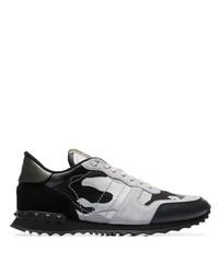 Chaussures de sport en daim imprimées noires Valentino