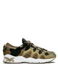 Chaussures de sport en daim olive Asics