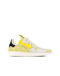 Chaussures de sport jaunes Adidas By Pharrell Williams