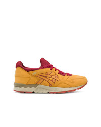 Chaussures de sport jaunes Asics