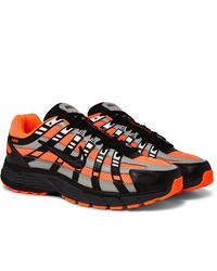 Chaussures de sport noir et orange Nike