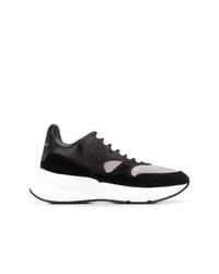 Chaussures de sport noires et blanches Alexander McQueen