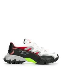 Chaussures de sport noires et blanches Valentino