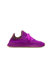 Chaussures de sport pourpres adidas